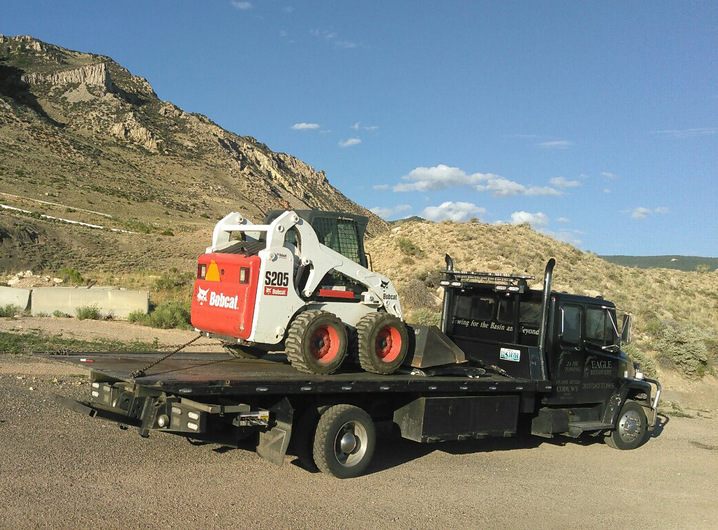 equipment towing in wyoming